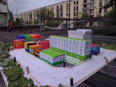 Une_maquette_de_mon_quartier__t_2019_-_MS_Architecture_et_urbanisme_-_maquette_en_mat_riel_de_r_cup.jpg